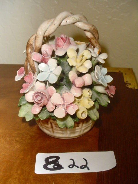 822: Capodimonte basket of flowers, made in Italy.  5.5