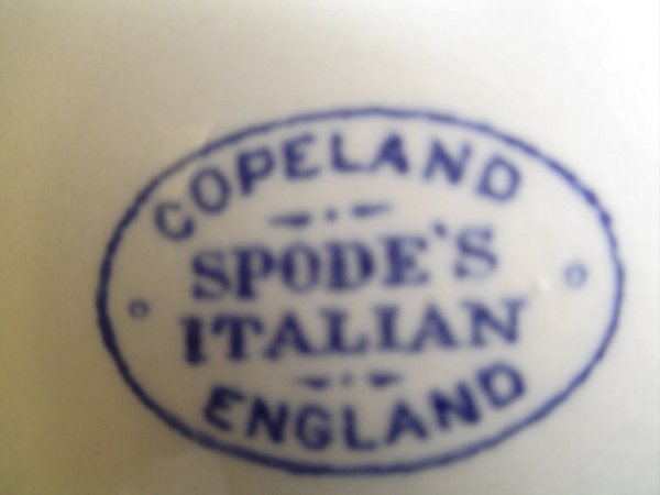 616: 2 pieces Copeland Spode's Italian, England.  Blue - 2