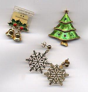 1206: Enamel Christmas tree pin