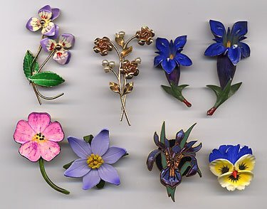 1217: 7 flower pins