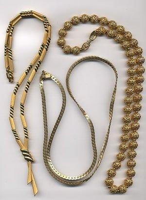 1221: 3 Goldtone necklaces