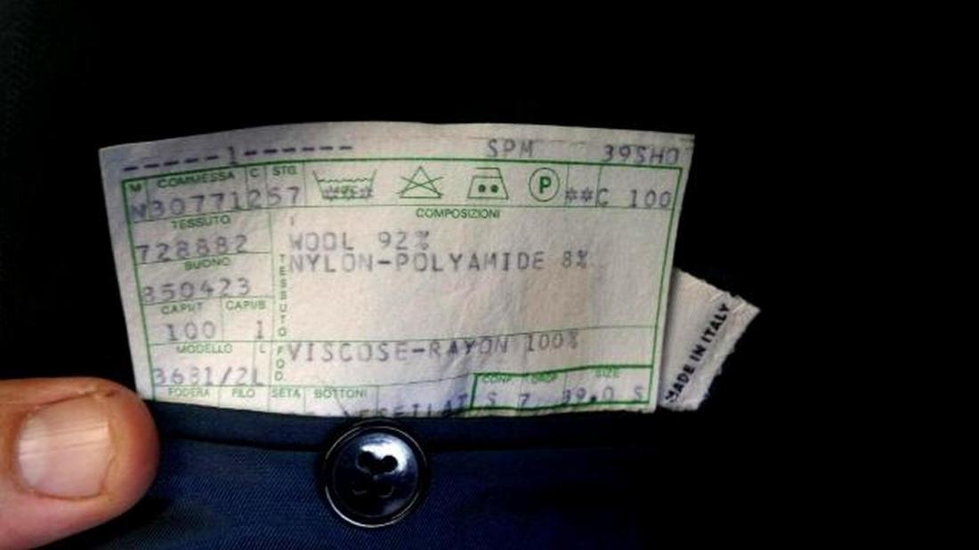 Armani Men's Two-Button Suit, Italy, Sz 39 - 3