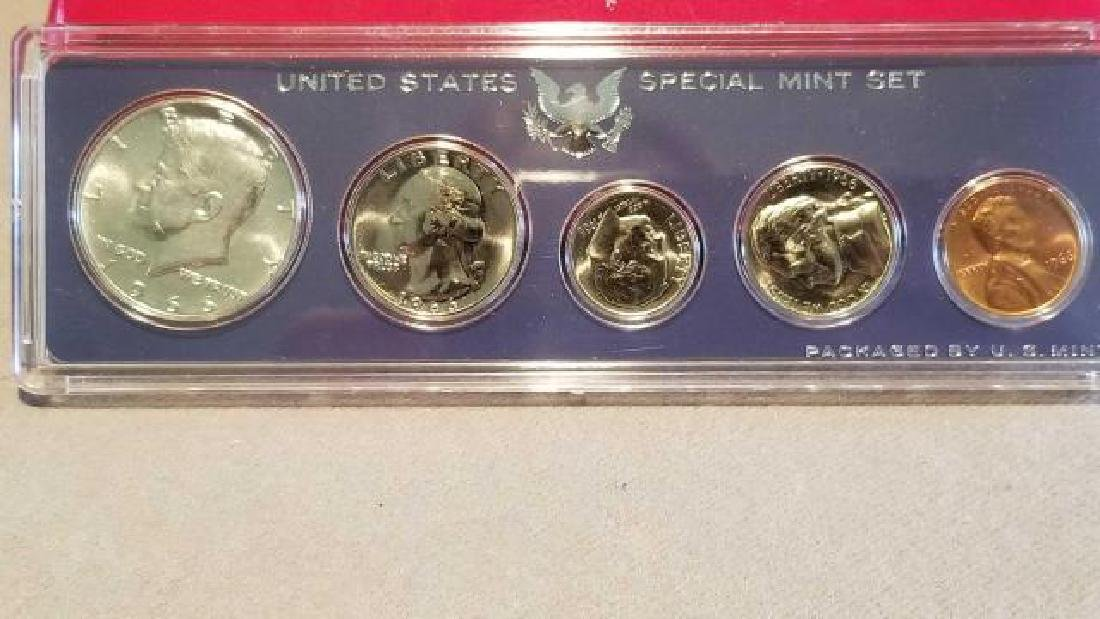 1966 and 1967 UNITED STATES SPECIAL MINT SETS - 6