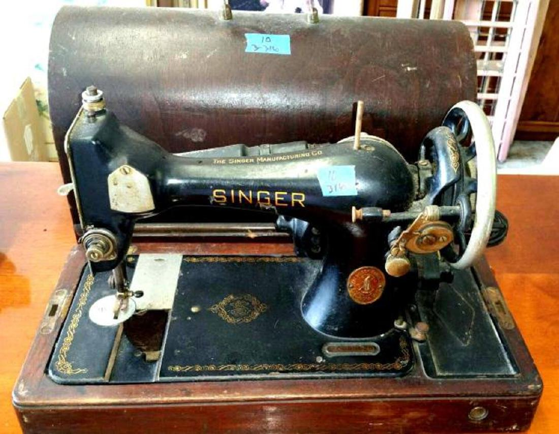 1938 Singer Portable Chain Stich Model 24 Sewing