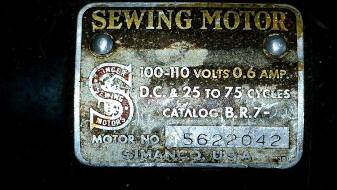 1938 Singer Portable Chain Stich Model 24 Sewing - 3