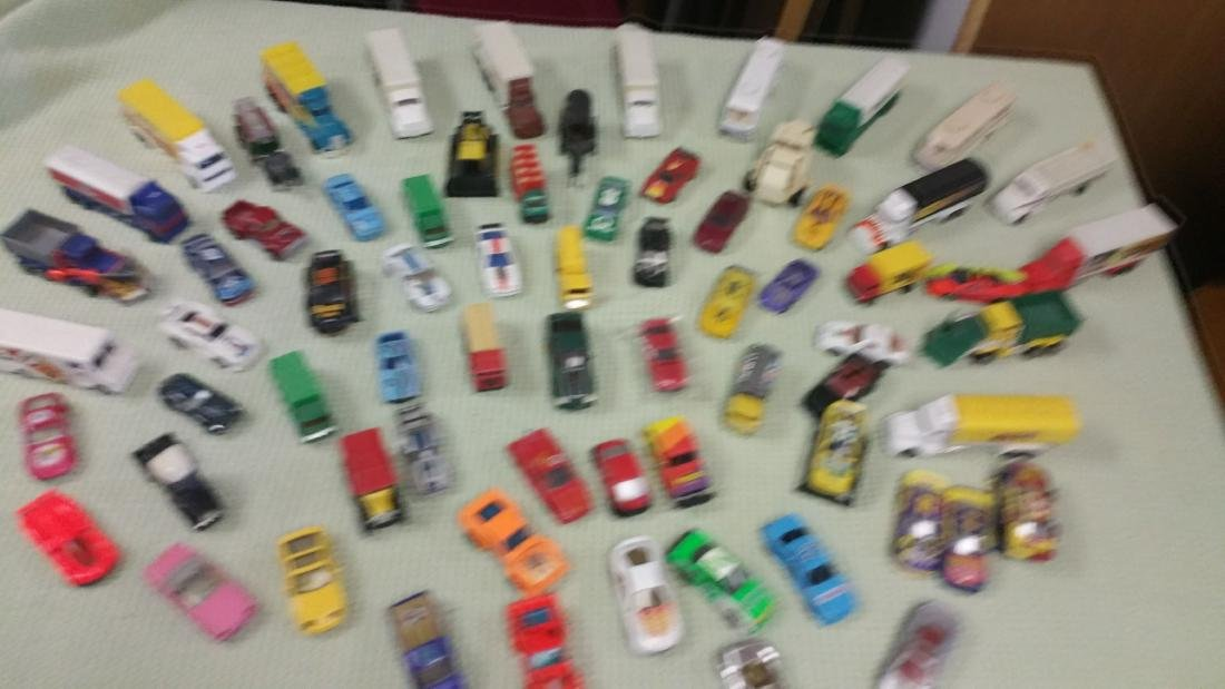 70 PLUS OR MINUS MATCHBOX STYLE TOY CARS TRUCKS