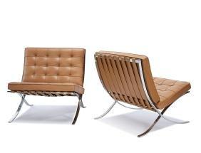 Ludwig Mies van der Rohe: Barcelona chairs (2)