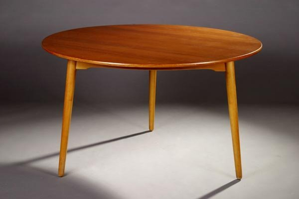 13: Hans J. Wegner Dining Table Fritz Hansen