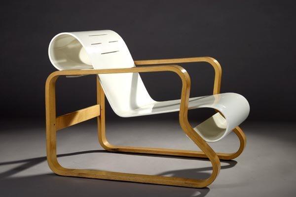 21: Alvar Aalto Paimio Lounge chair, Artek