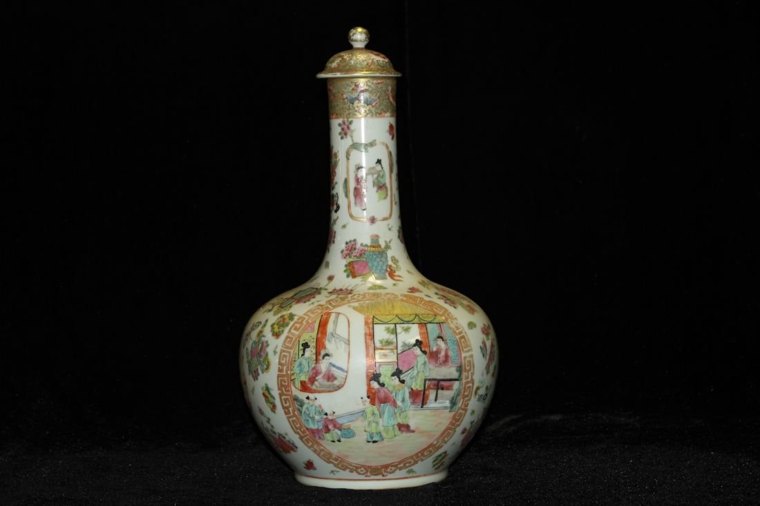 Guang Cai Famille Celestial Bottle with Lid (Qing)