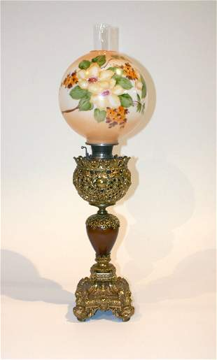 Victorian Banquet Oil Lamp w/brass Filigree
