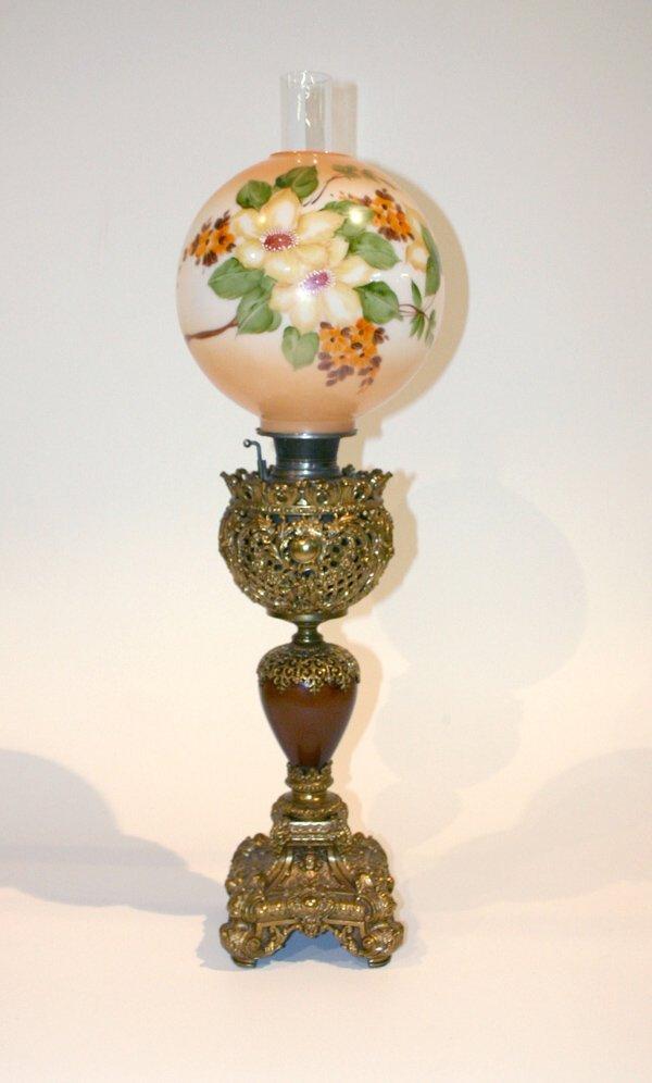 1011: Victorian Banquet Oil Lamp w/brass Filigree