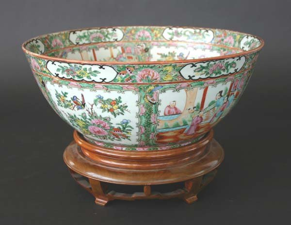 4: 19th C famille Rose Oriental Bowl on Stand