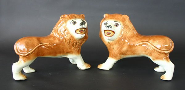 19: Pr Early 20th C Staffordshire Lions with Glass Eyes