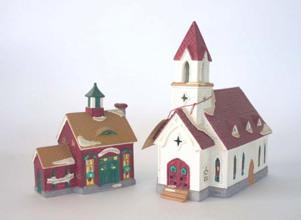 1003: Dept 56 Good Shepard Chapel & Church School 54240