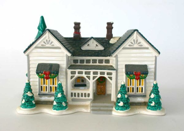 1014: Dept 56 Grandma's Cottage 54208 Snow Village