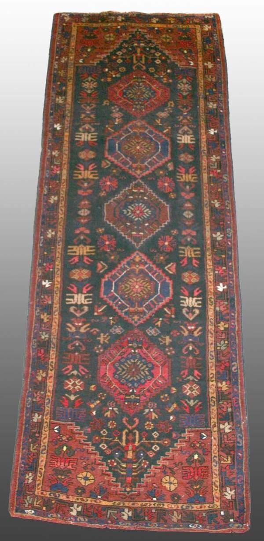 510: Persian Rug 3'3 x 9'1