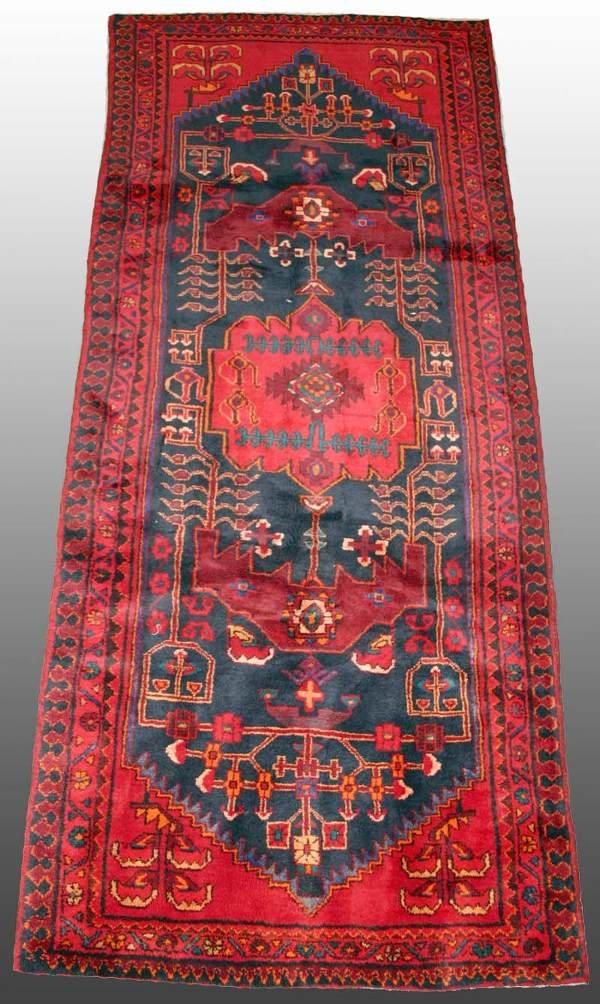 521: Persian Rug 4'3 x 10