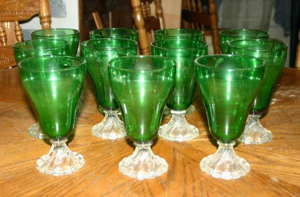 1014: Eleven Footed Green Glasses