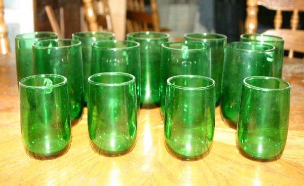 1021: Thirteen Green Glasses