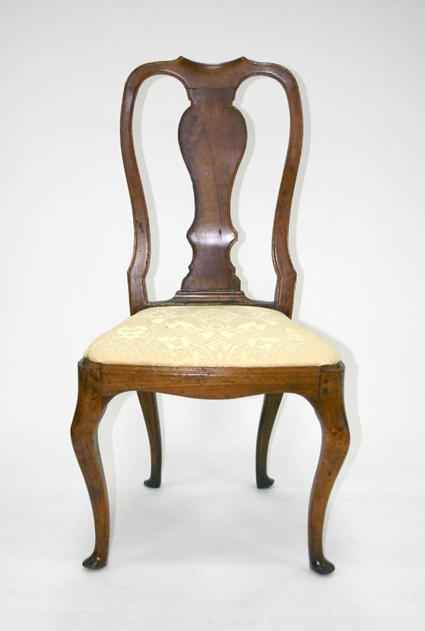 20: English Queen Ann Side Chair. Circa 1710
