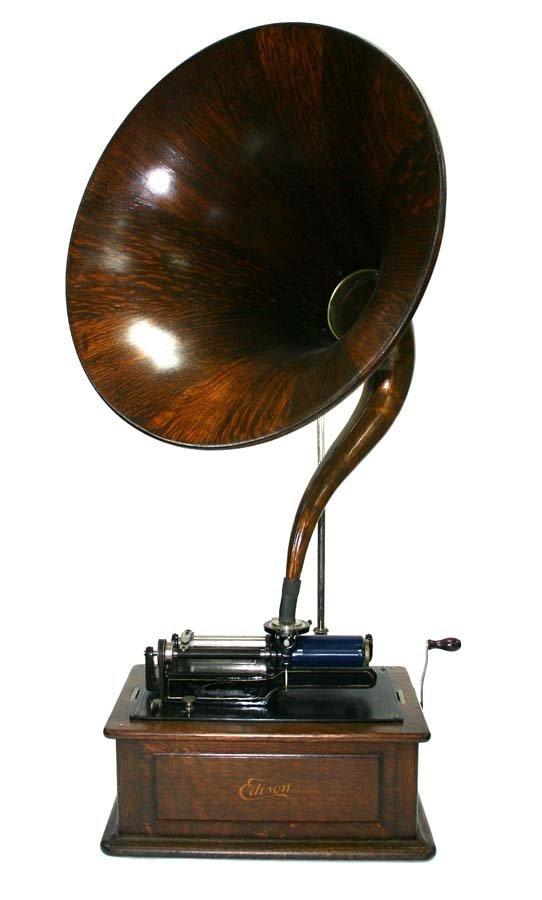 10: Oak Edison Triumph Phonograph. Combination Type Mod