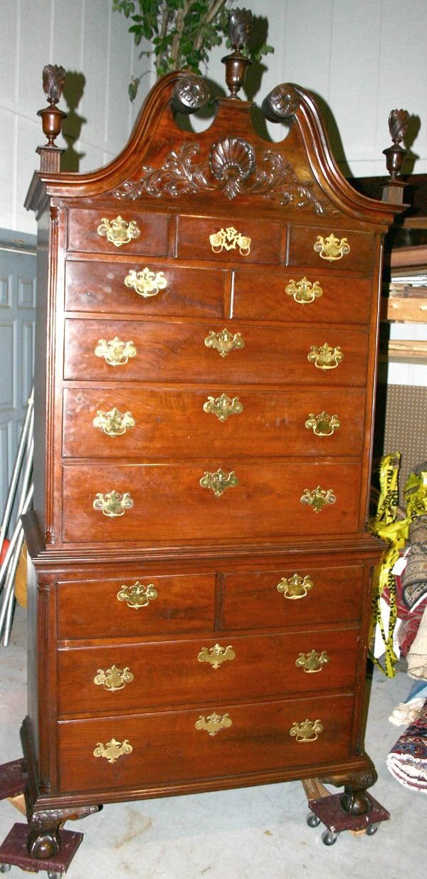 171: 18th C. Chippendale Mahogany Chest on Chest