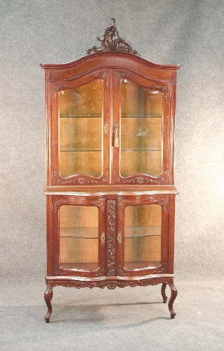 39: FRENCH CHINA CABINET