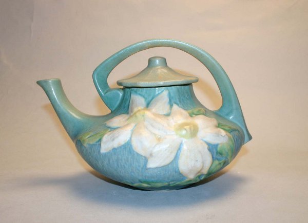 1017: Roseville Clematis #5 Teapot. Good Condition