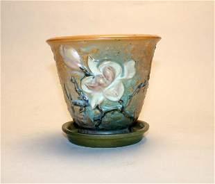 Roseville Magnolia 666-5 Flower Pot. Chip @ Base.