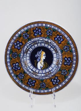 A FRENCH MAJOLICA PORTRAIT CHARGER.C187.