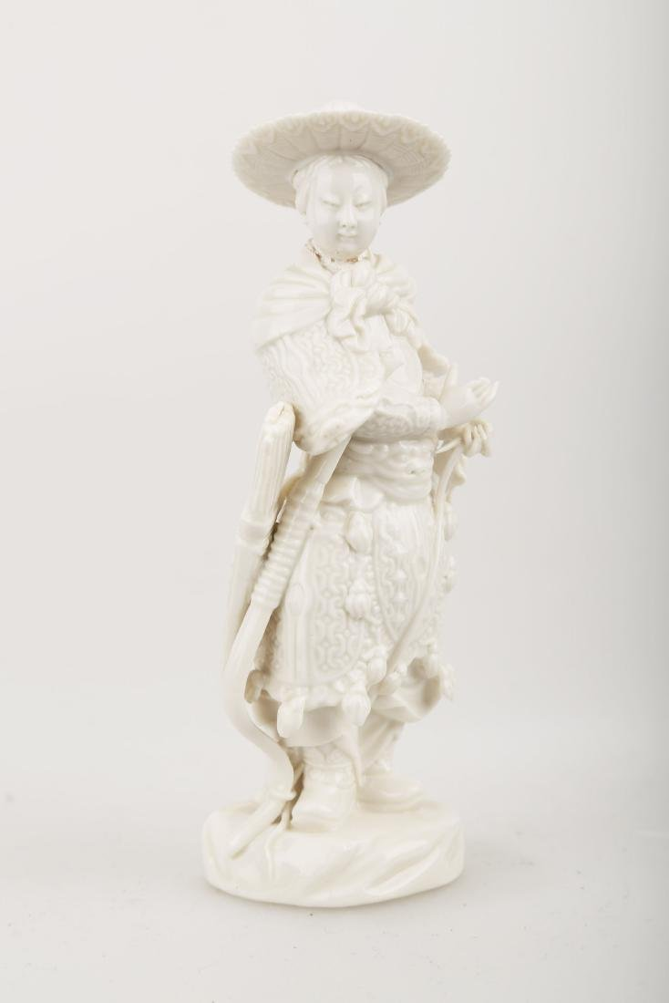 A BLANC DE PORCELAIN TRADITIONAL CHINESE WARRIOR - 2