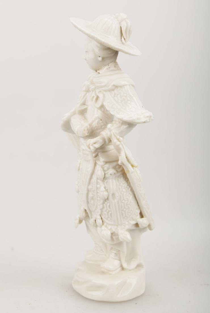 A BLANC DE PORCELAIN TRADITIONAL CHINESE WARRIOR - 6
