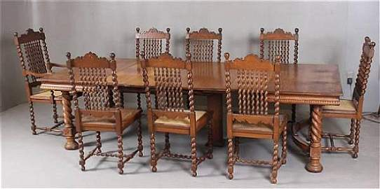 (9)   OAK 1930'S DINING TABLE WITH 8 BARLEY TWIST AND