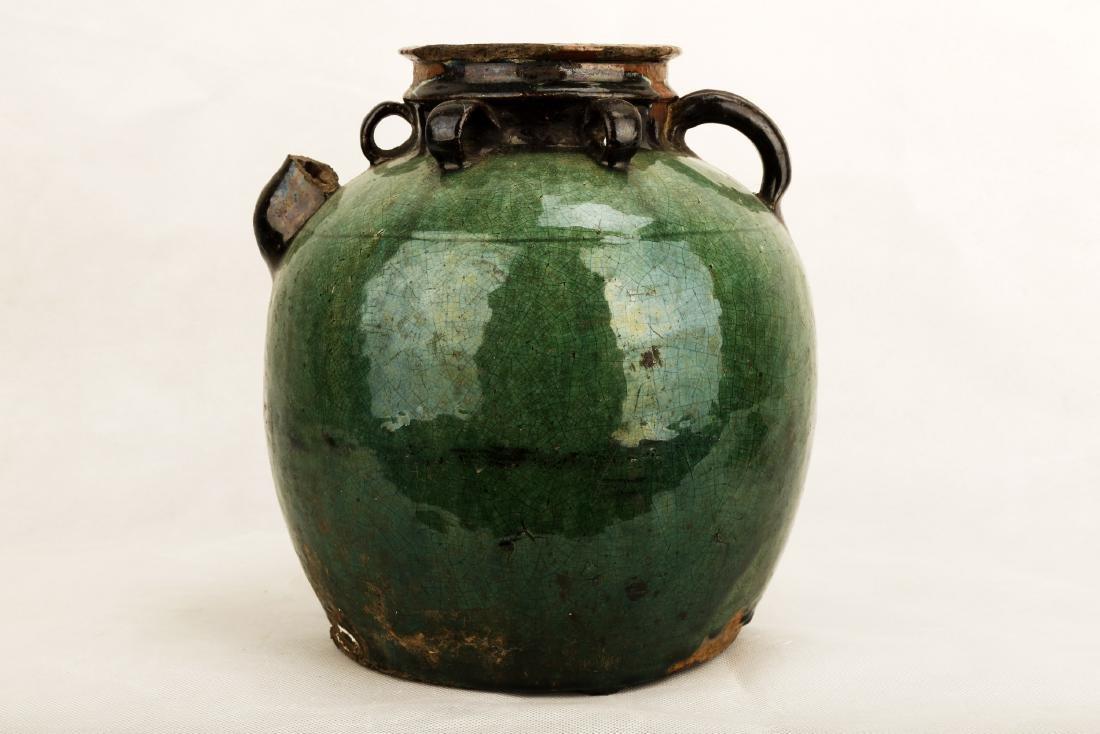 A GREEN GLAZE PORCELAIN JAR WITH SIX RINGS.C341. - 2