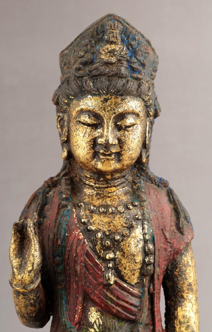 A GILT- LACQUERED METAL FIGURE OF GUANYIN BUDDHA. - 4