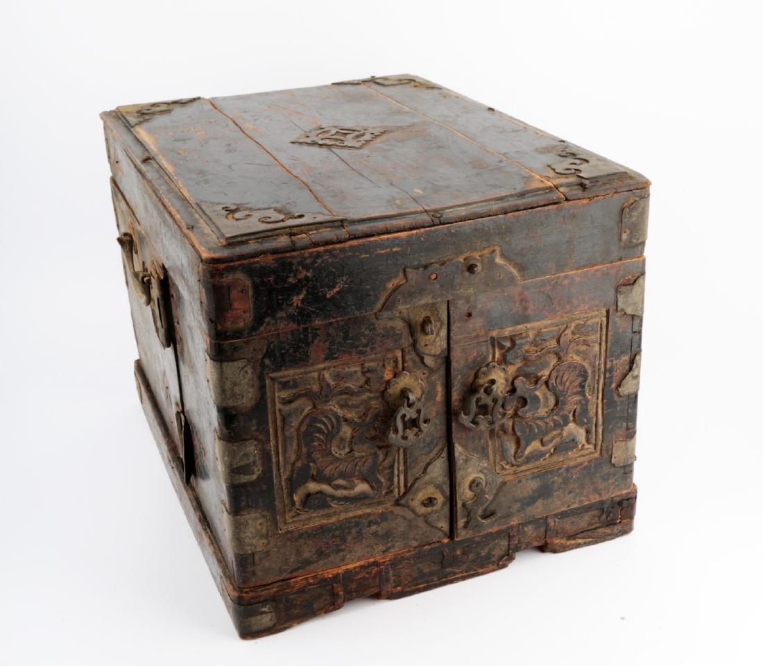 A BOX CARVED DRAGON DESIGN.