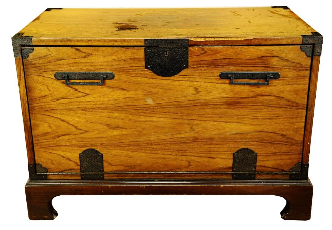 FINE OAK BLANKET BOX, OF PLAIN RECTANGULAR FORM, THE