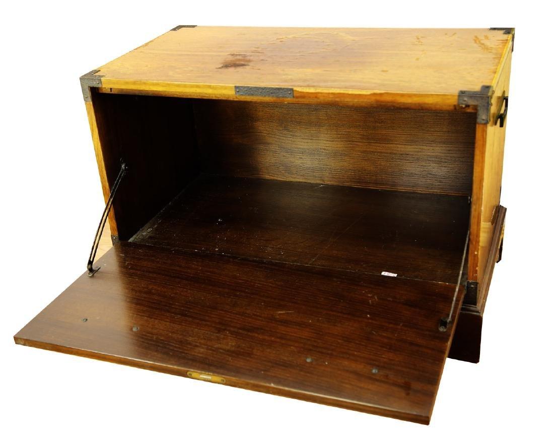 FINE OAK BLANKET BOX, OF PLAIN RECTANGULAR FORM, THE - 3