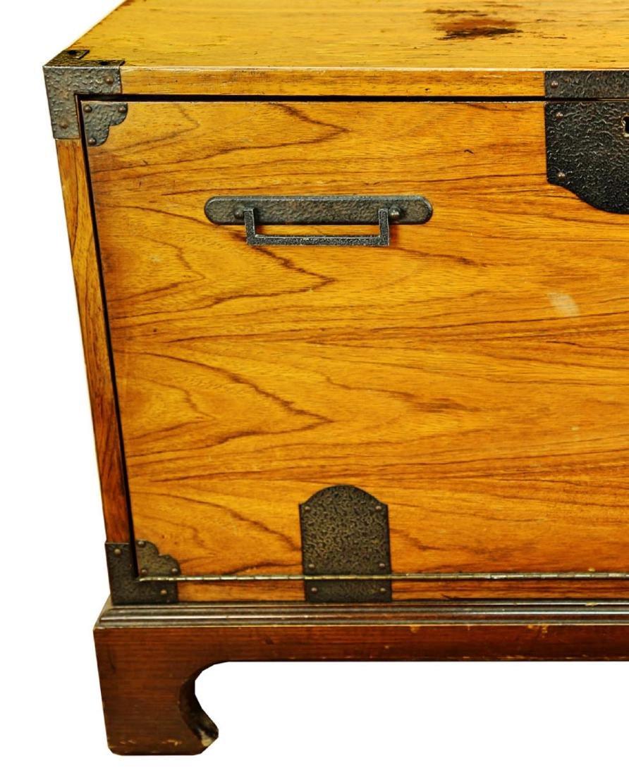 FINE OAK BLANKET BOX, OF PLAIN RECTANGULAR FORM, THE - 5