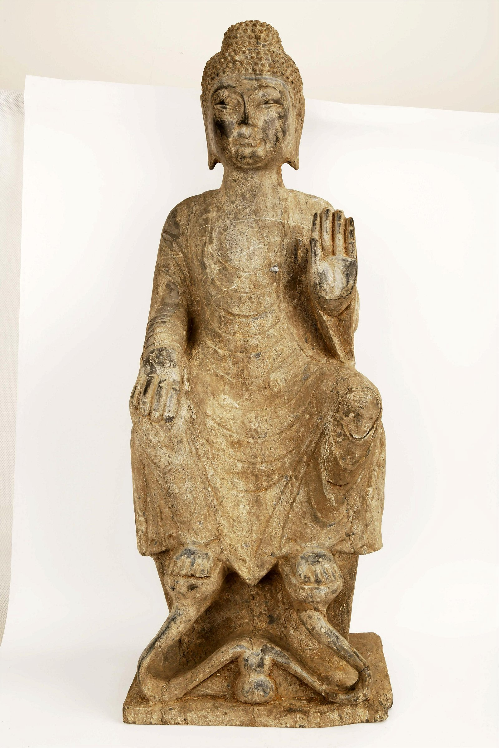 A CARVED STONE BUDDHA STATUES.S009.