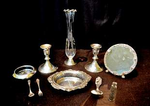 (10)  A GROUP OF TEN WEIGHTED STERLING SILVER LOT -