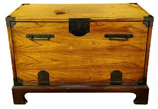 FINE OAK BLANKET BOX, OF PLAIN RECTANGULAR FORM, THE