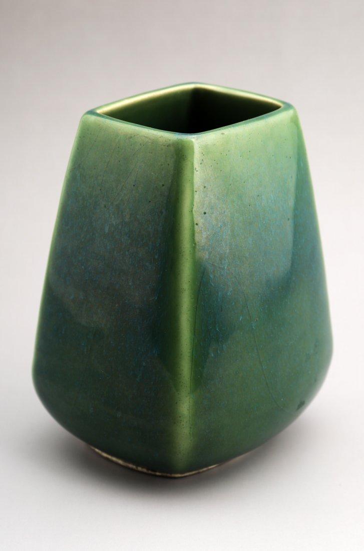 A GREEN GLAZE OF SQUARE PORCELAIN VASE