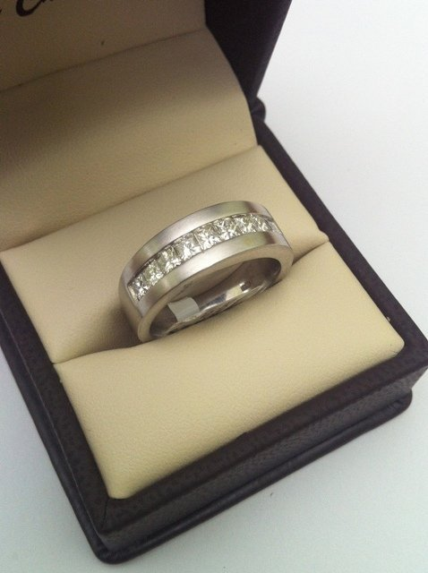 Mens DIAMOND RING 14K WG 1 CT G-H Color - size 10