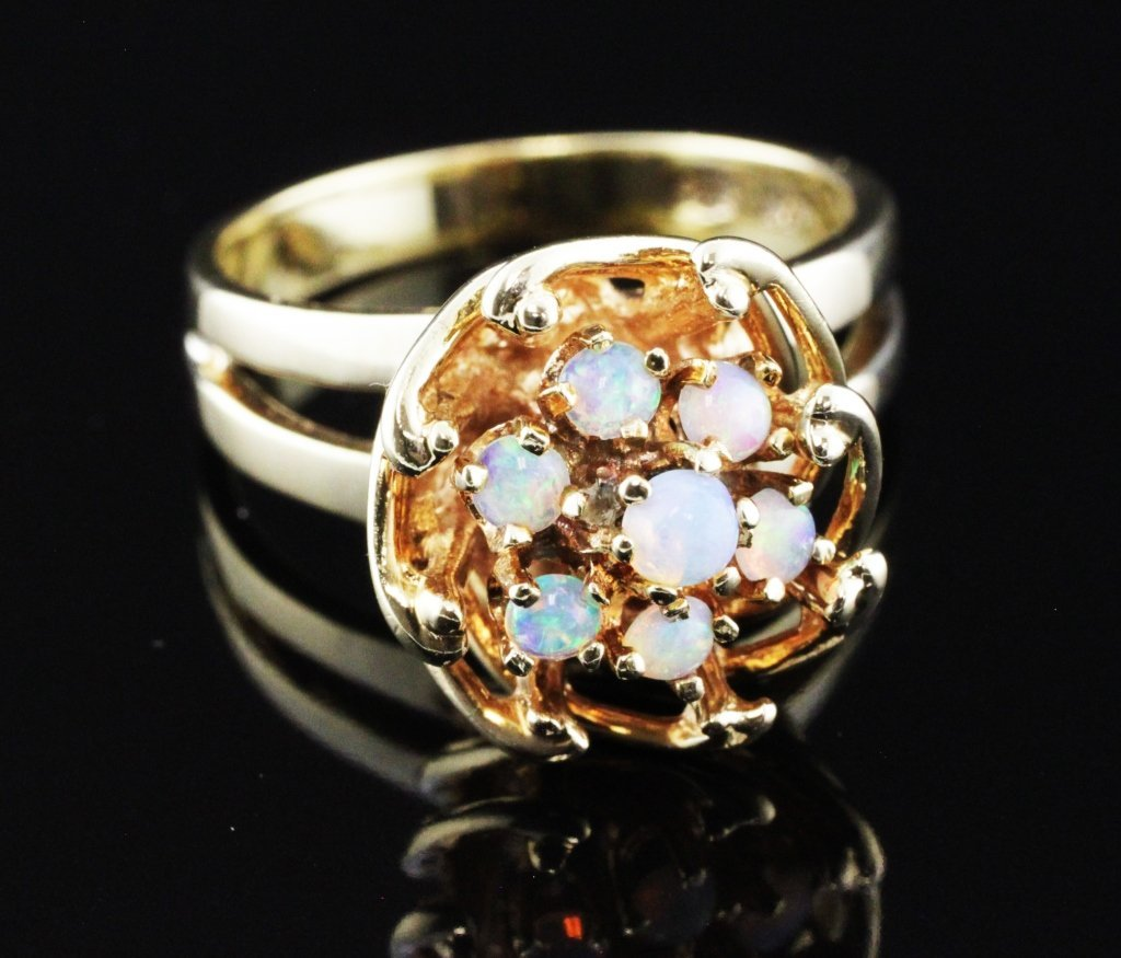 Opal Fashion Ring 14kyg