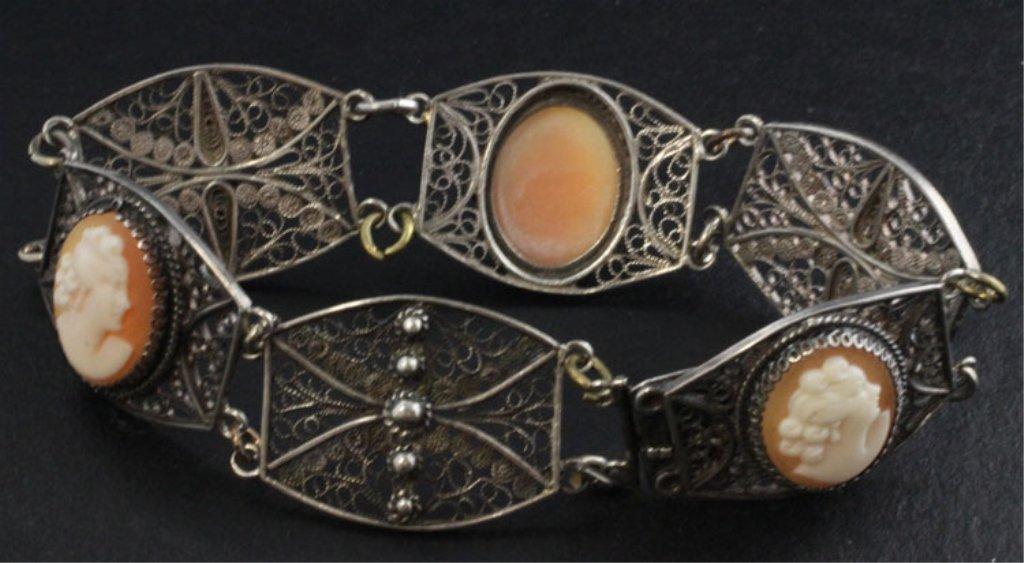 Vintage Cameo Bracelet in Silver