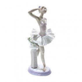 Lladro Stage Presence Ballerina Figurine