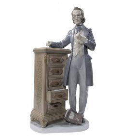 Lladro Attorney Lawyer Statesman 5213 Figurine