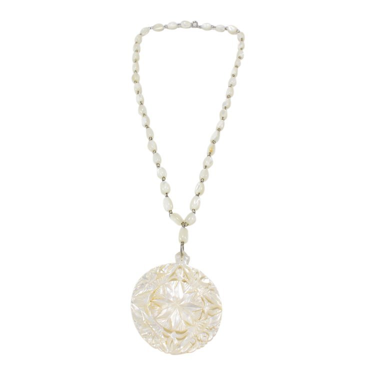 Mother of Pearl Necklace and Pendant